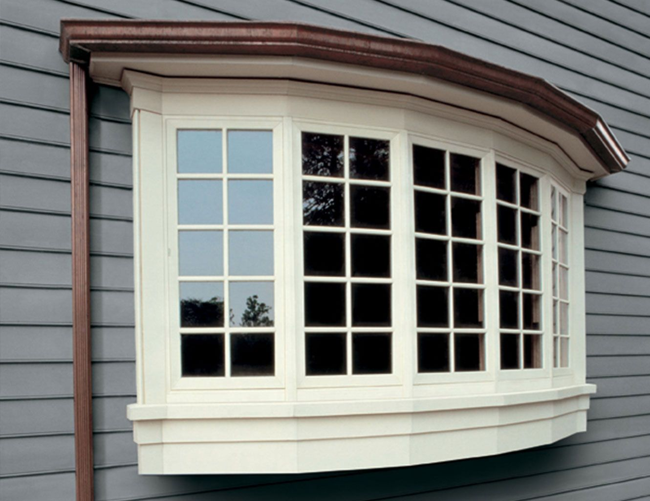 Signs You Need New Windows In Your Home Having Windows On Your Home That Are Not Functioning Properly Have B Windows Exterior Bow Window Bay Window Exterior