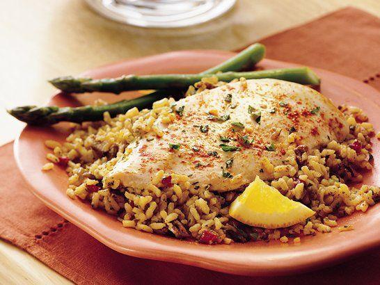 Chicken with Orange-Pecan Rice - QueRicaVida.com