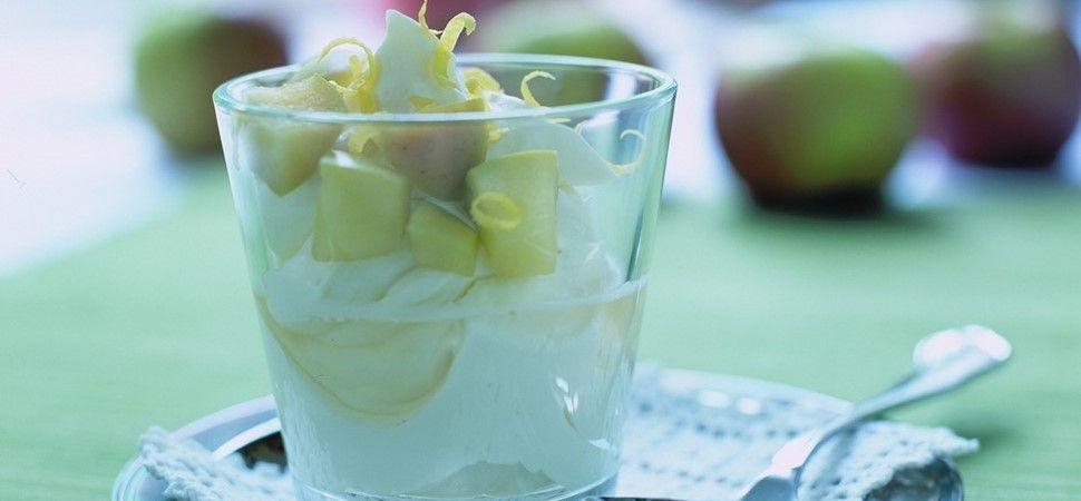 Hvid chokolademousse med citronsyltet æble