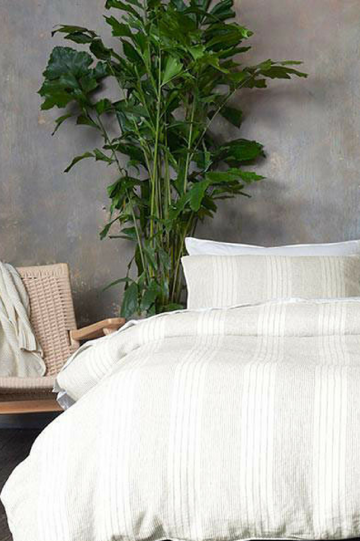 Brooklinen S Linen Sheets And Duvet Cover Are Soft Temperature Regulating Stylish Unlike Cotton Or Sa Isn T Cool To The Touch Rather