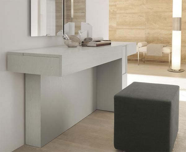 Prestige Modern Dressing Table in Various Lacquered Ash and Wood ...