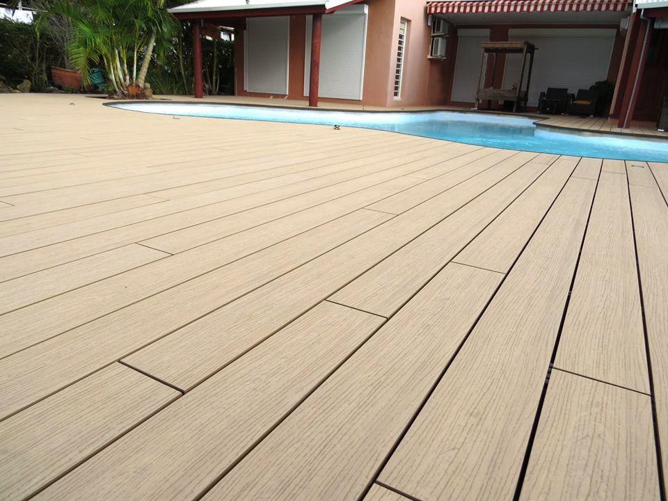 ocewood plage de piscine tropicale en bois composite optima plus moka cr dits oc wood. Black Bedroom Furniture Sets. Home Design Ideas