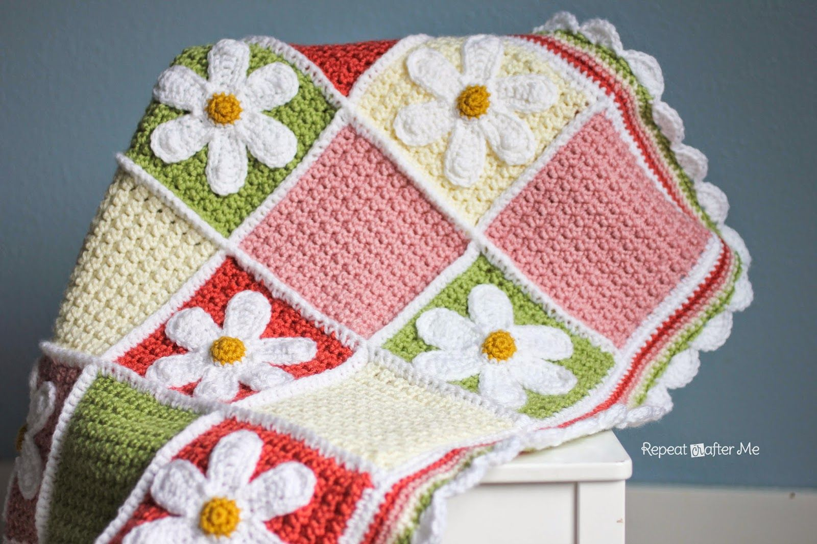 Crochet Daisy Afghan - Repeat Crafter Me | Crochet daisy, Crochet granny  square afghan, Baby blanket pattern