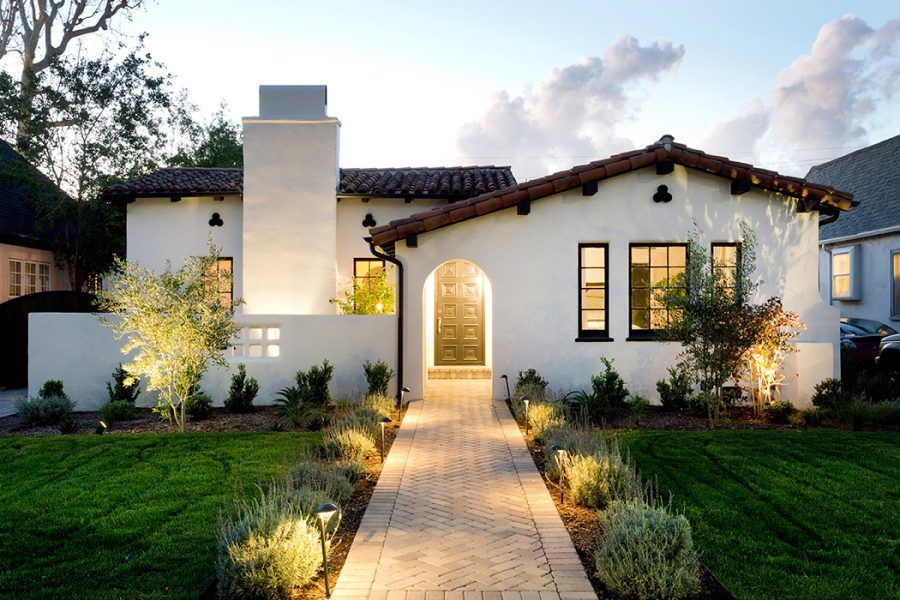 Spanish 63 Is A Spanish Home Located In Carthay Square This Home Features A Black And White Theme With Spanish Revival Home Spanish Style Homes Spanish House