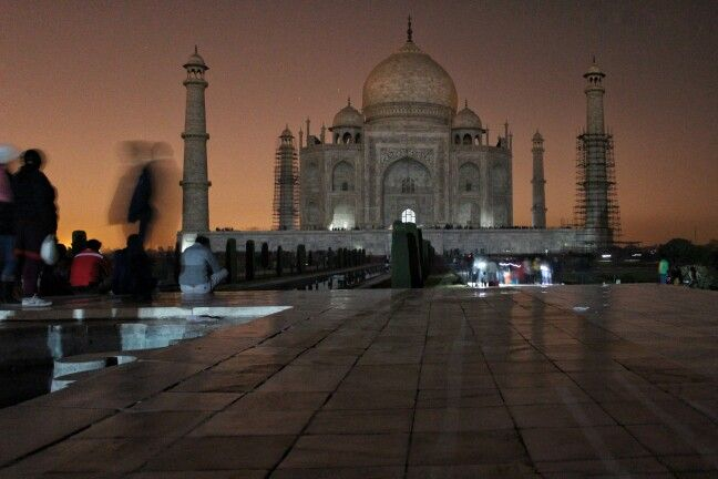 Taj night
