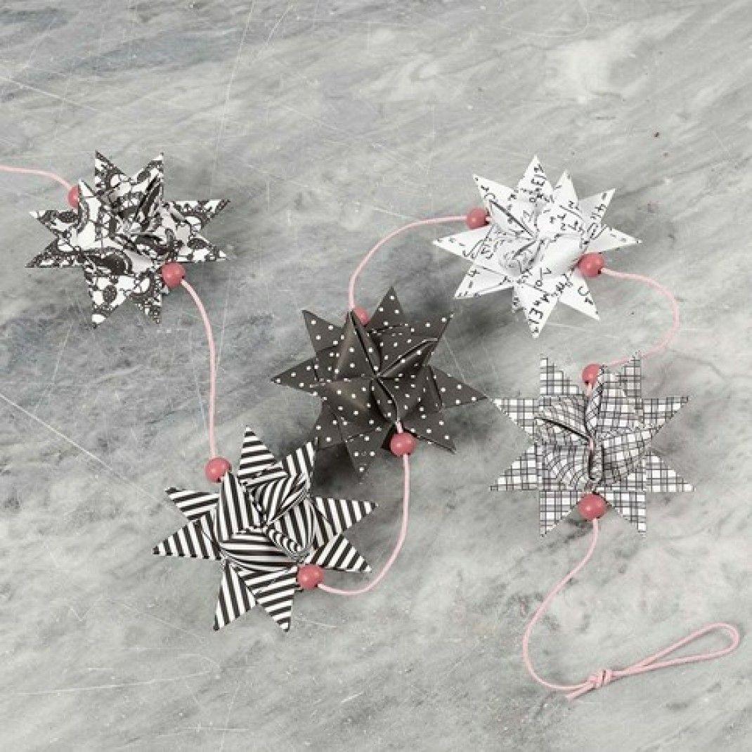Flettede julestjerner pyntet med træperler |DIY vejledning