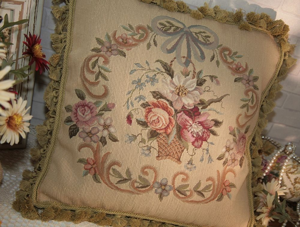 "16/""x 20/"" French Country Style Handmade Petite Point Needlepoint Pillow WM-60"
