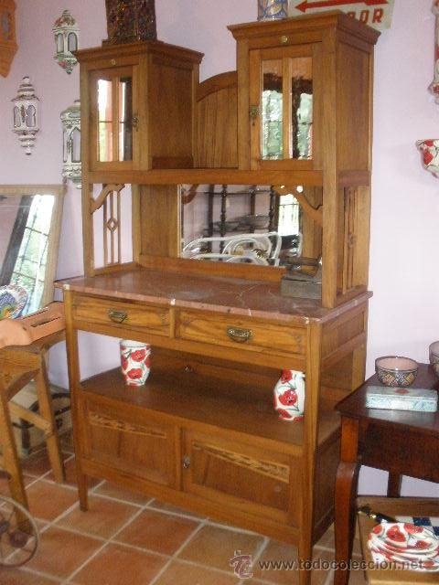 Alacena modernista con espejos antig edades muebles - Aparadores con espejo ...