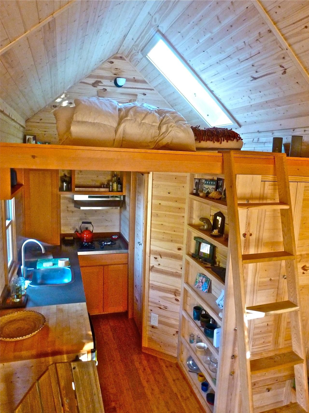 Pictures Of 10 Extreme Tiny Homes From Hgtv Remodels Home Remodeling Ideas For Bats Theaters More