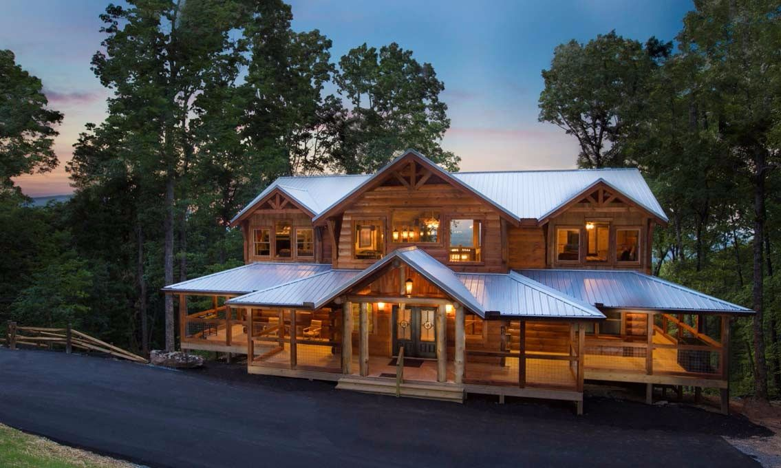 Pigeon Forge Cabins - Mountain Cascades Lodge Set on a