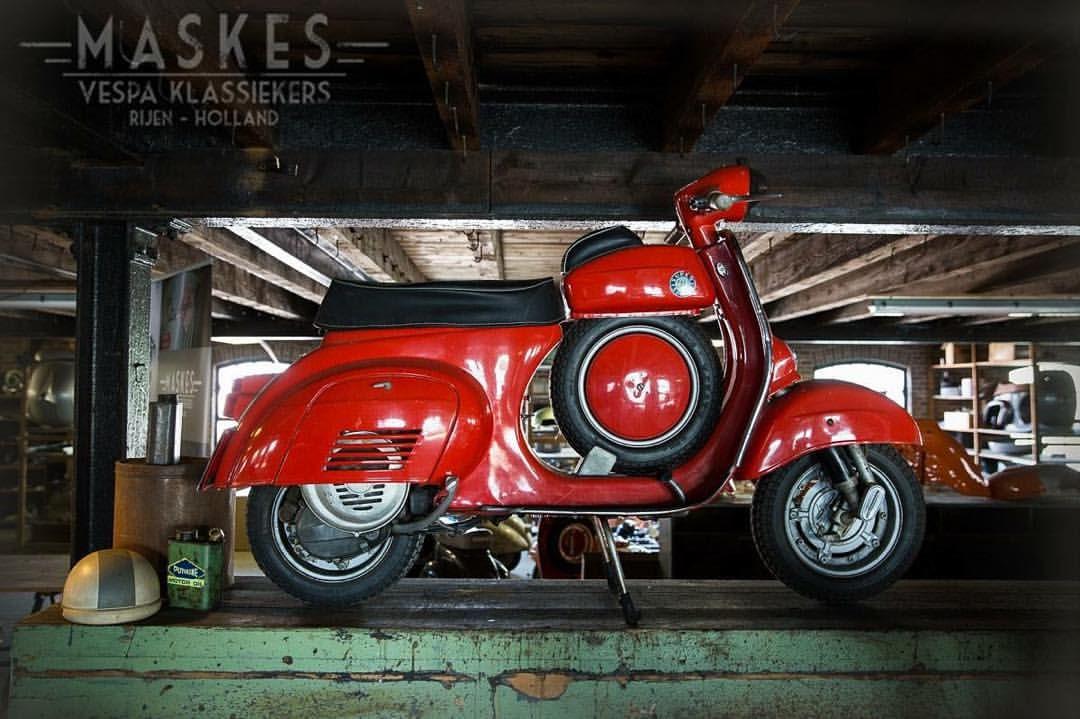 "Vespa Club Kefalonia Greece auf Instagram: ""#old #classic #scooter #vespa #ss #red #retro #vintage #piaggio"""