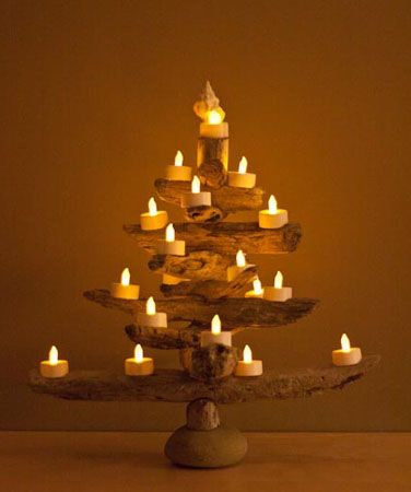 beach house decorating driftwood christmas tree ideas httpnauticalcottageblogcom - Christmas Tree Made Of Lights