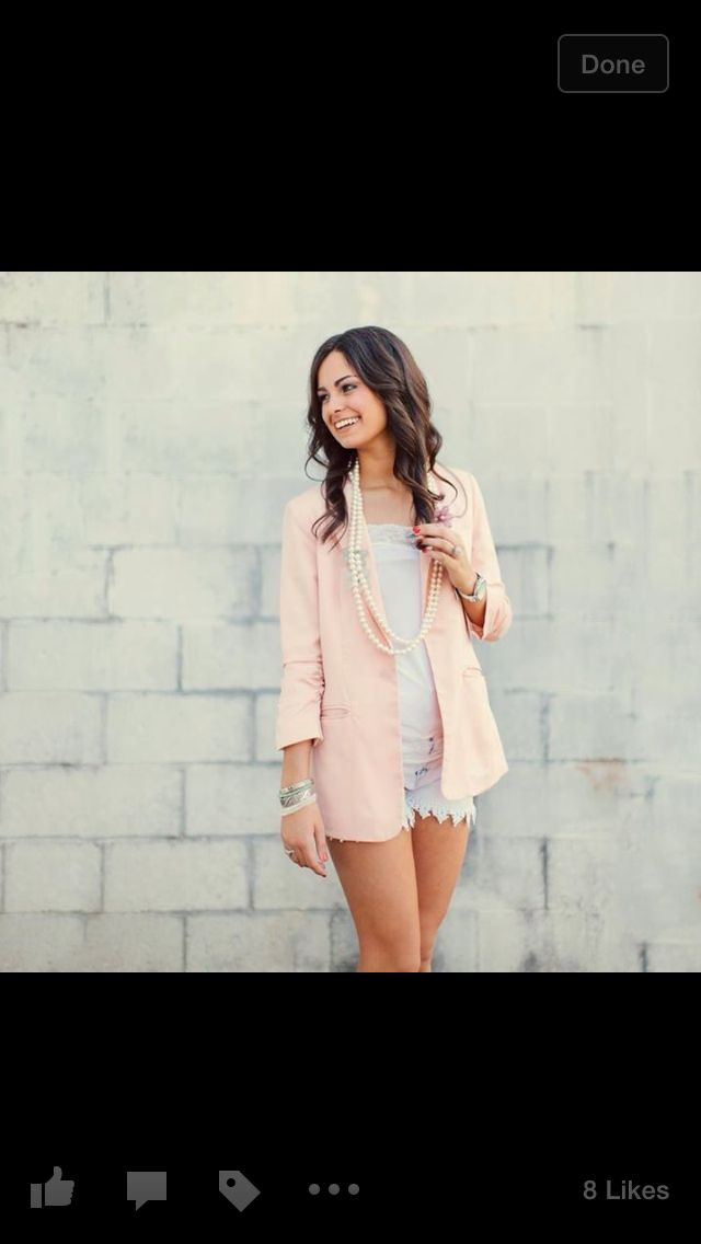 Engagement pictures outfit idea! Love