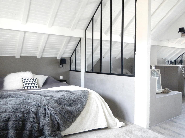 Chambre sous les toits, noire et blanche | Sweet home | Pinterest ...