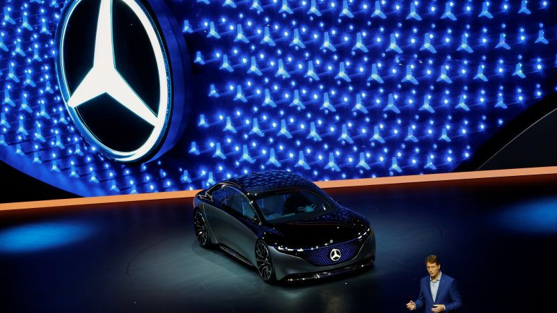 Germany Monitoring Chinese Stake In Mercedes Benz Parent Daimler Mercedes Benz Benz Benz Car