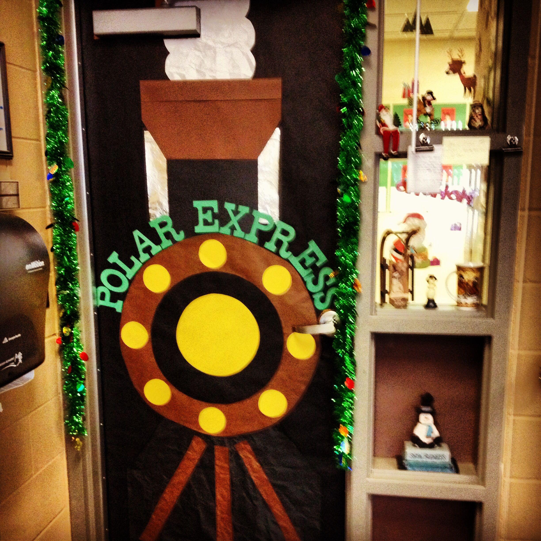 Christmas Train Door Decorations | www.indiepedia.org