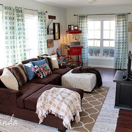 Decorate your family room with movie theater themed decor for a ...