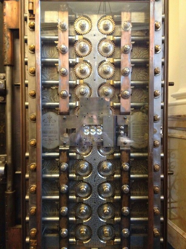Inside of the vault door at the bank I work at. Beautiful engineering from  helps my yahma dream. - Door Of An Old Bank Vault Cool Pictures Pinterest Vaulting
