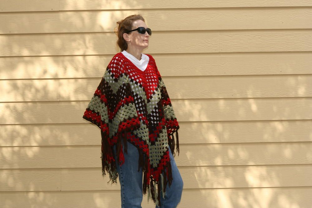That 70s Poncho | AllFreeCrochet.com | Crochet | Pinterest | Flecos ...
