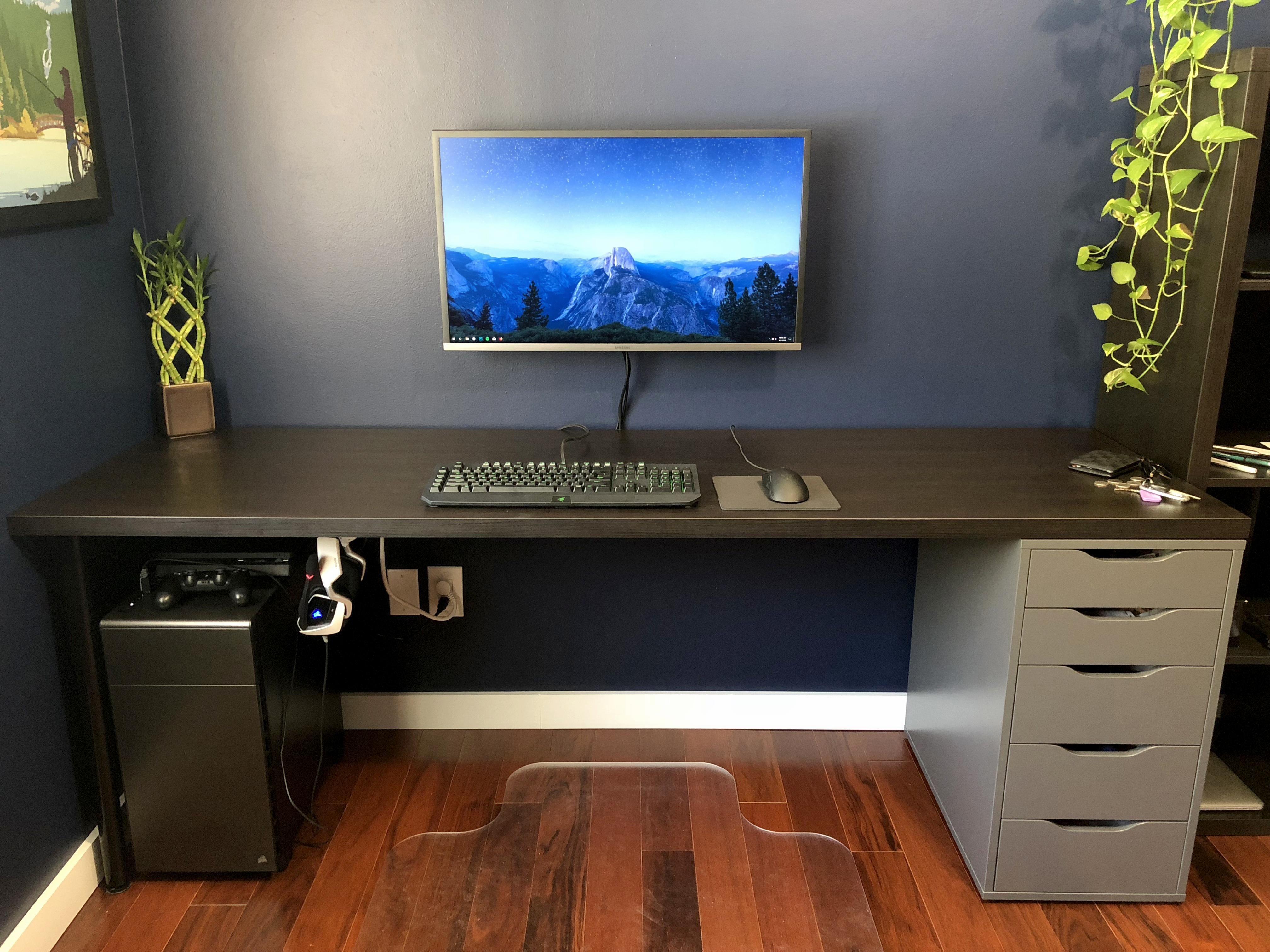 Minimalist Battlestation Home Modern Rustic Living Room Gaming