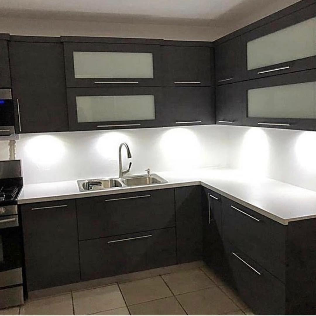 Decoraonline On Instagram En Gabinetespvcprokitchens Fabrican E Instalan Gabinetes De Cocina En Pvc A La Medida Bajo Kitchen Plans Kitchen Cabinets Kitchen