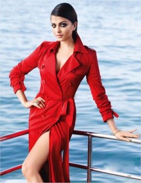 Aishwarya Rai looking Hot in Red Dress