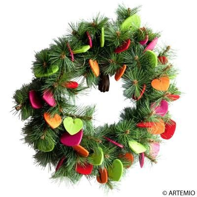 Couronne de Noël à faire avec des coeurs en feutrine / How to make a Christmas wreath with felt hearts
