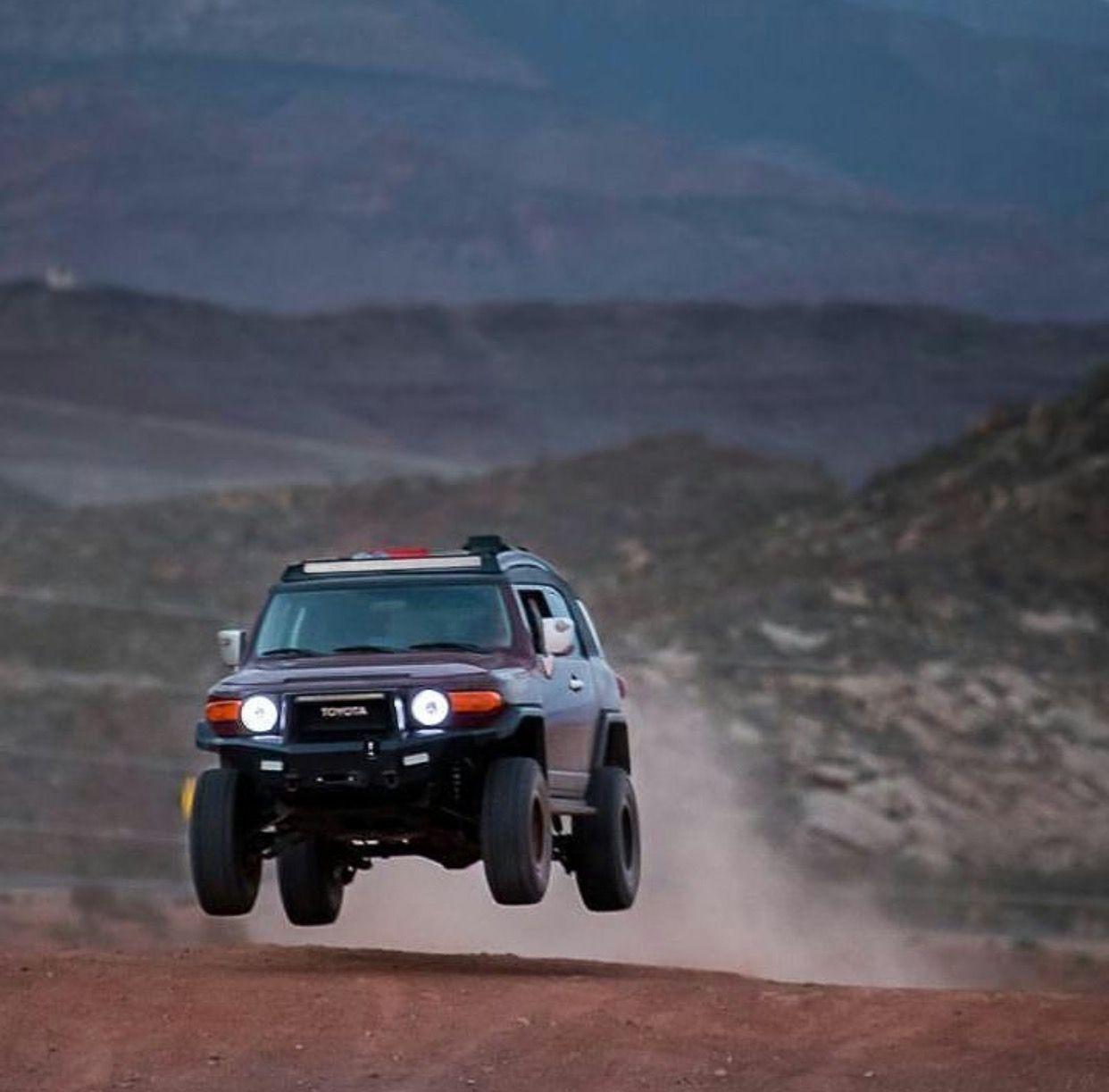 FJ Cruiser Roof Rack: Toyota FJ Cruiser Roof Rack Safari