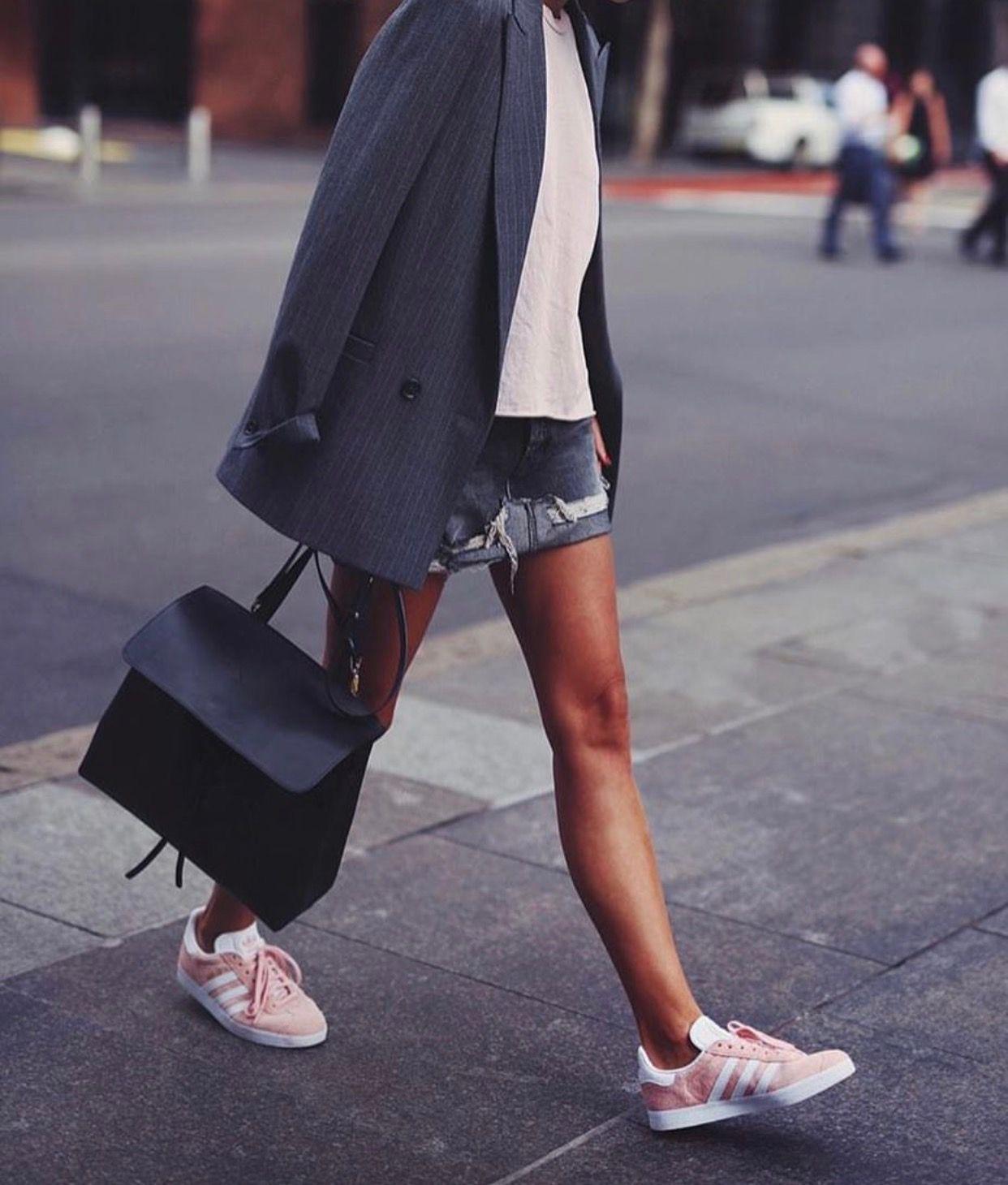buy popular c9b51 b72a1 insta and pinterest amymckeown5 Rosa Adidas, Pink Adidas, Adidas Outfit,  Adidas
