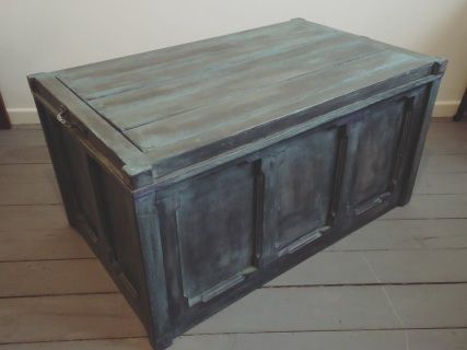 Large Handcrafted Wooden Storage Coffer Tuck Blanket Box Trunk Chest Coffee Table Lift Off Lid Solid Rustic Wood Deliberately Distressed T