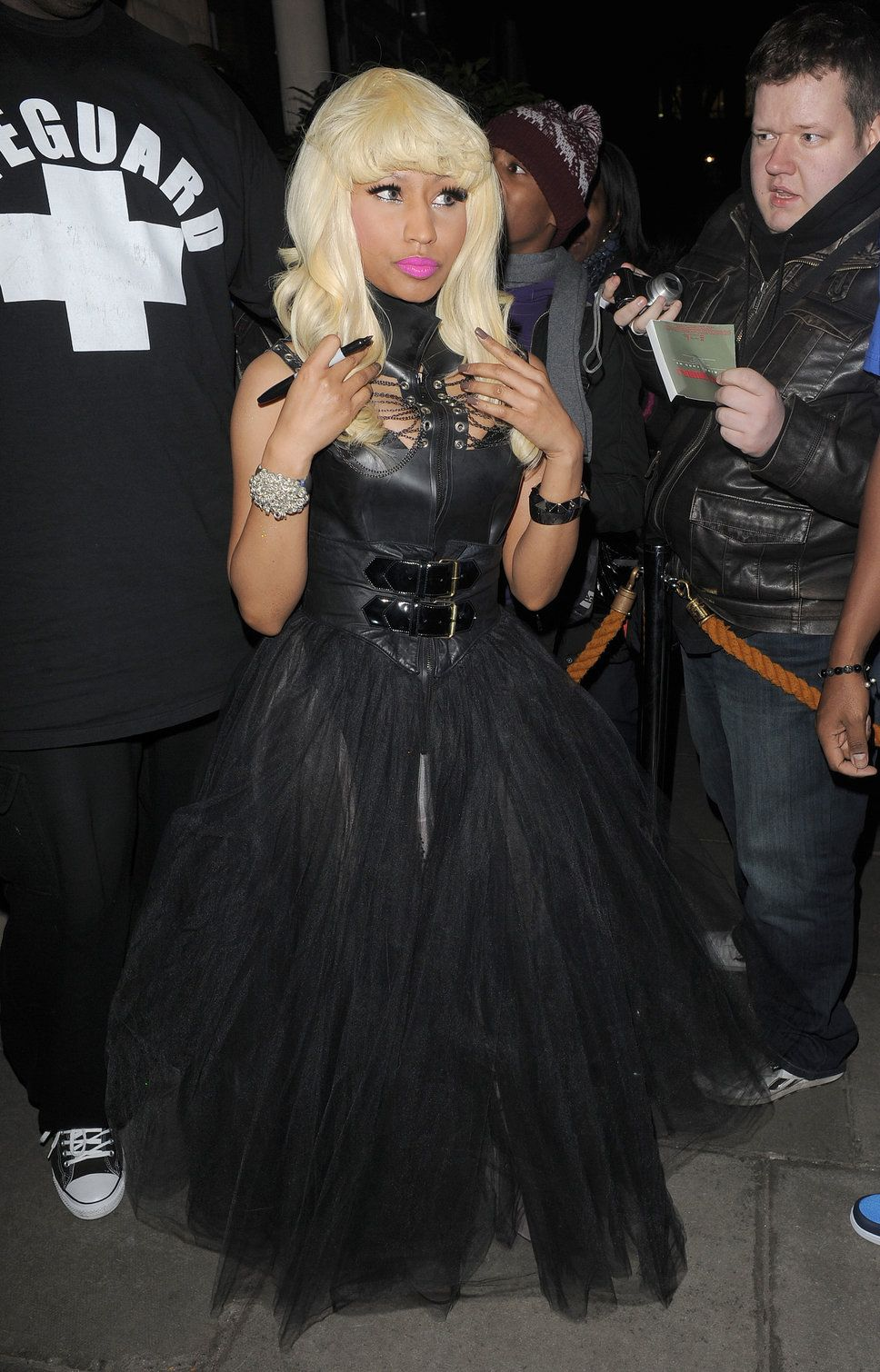 no really nicki minaj tries on the goth style but no