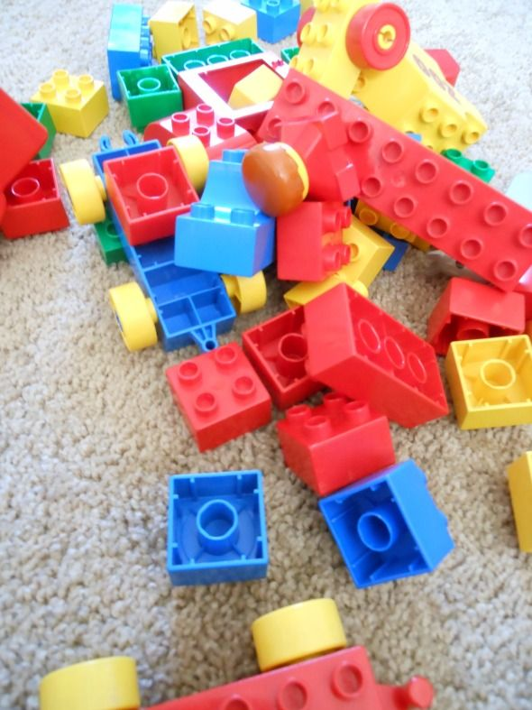 Jill gives us some great LEGO building tips for toddlers! 1. Helping her hold the DUPLO bricks in place while she presses them down. 2. Taking turns building a tower is a great way to cut down on the frustration of the first tries. 3. Remember to talk while you build!