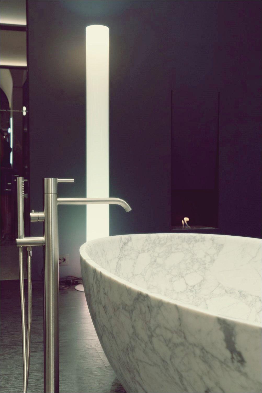 So Erkennen Sie Ob Die Standard Badewannengrosse Zu Ihnen Passt Bad Deko Minimalistische Badgestaltung Badrenovierung Minimalistisches Badezimmer