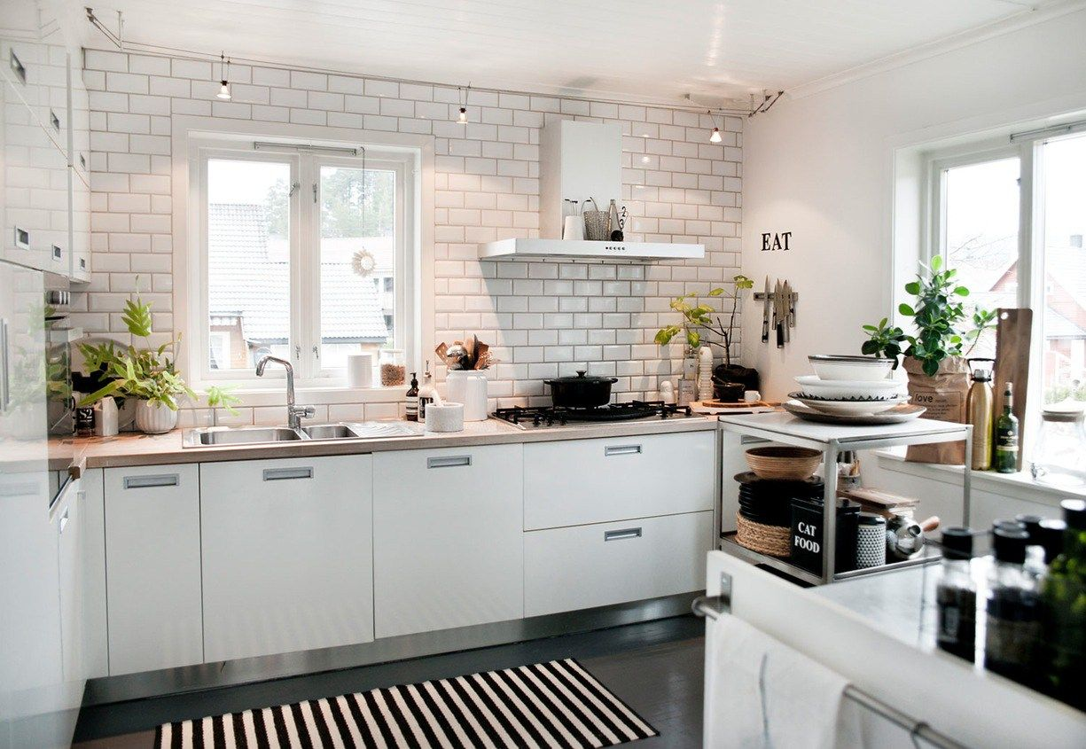 Ciemna Podloga Biale Meble Home Kitchens Kitchen Dining Room Apartment Kitchen