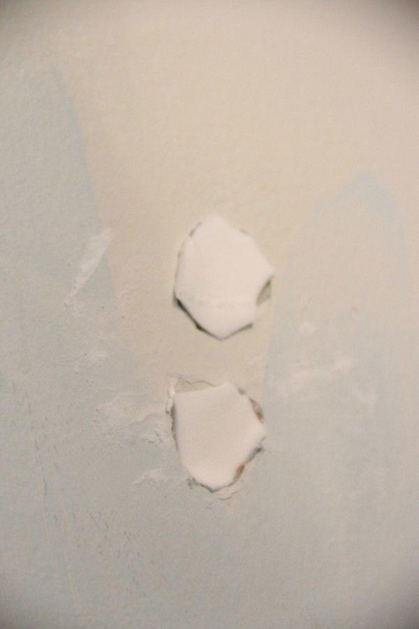An Easy Way To Plug A Small Hole In The Wall In 2020 Patching Holes In Walls Fix Hole In Wall Small Bathroom Tiles