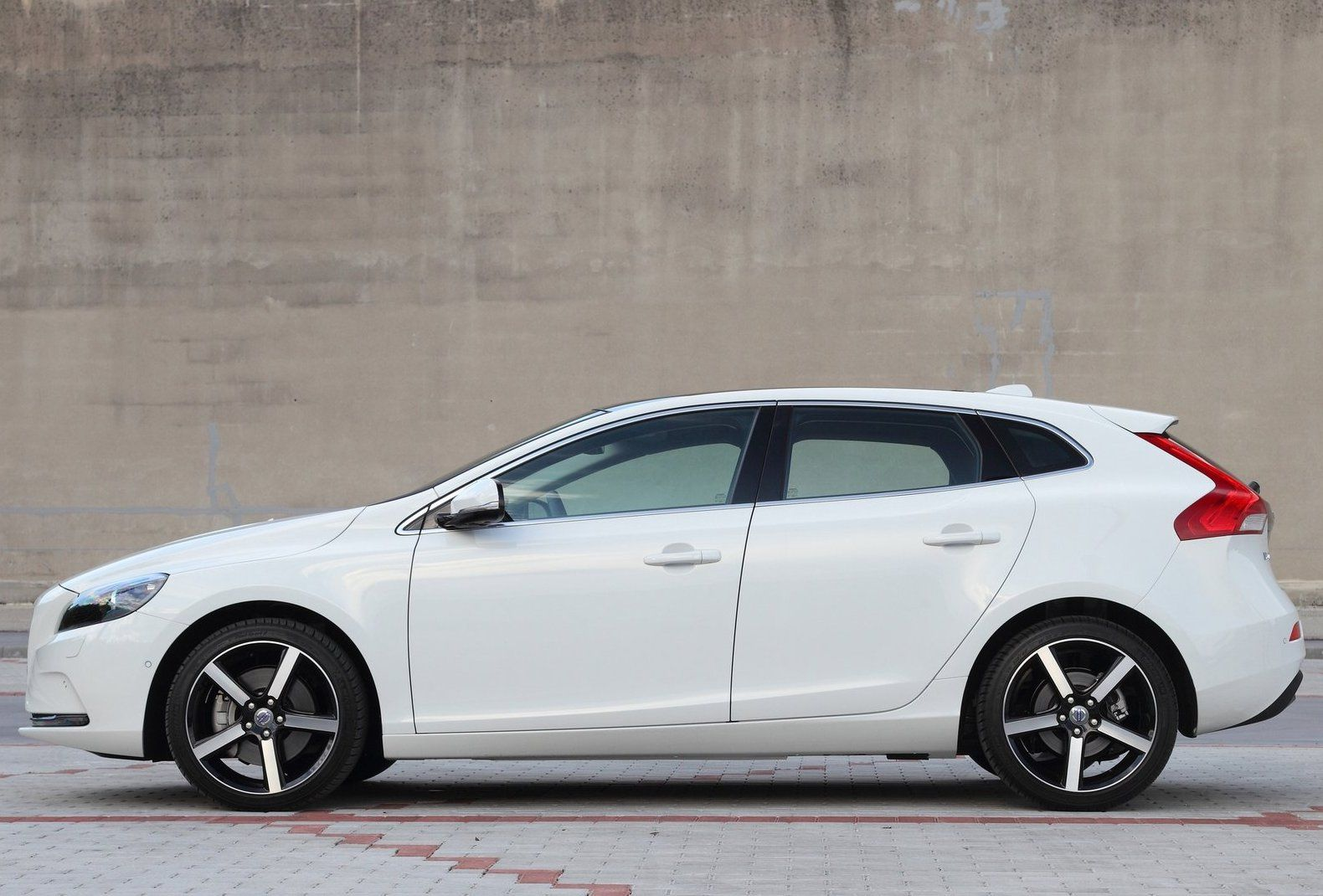 2013 volvo v40 side angel new car reviews car modified spare parts