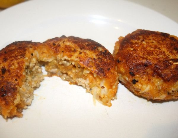 Sweet Potato Croquettes with Pork and Apple filling Ingredients 300g of pork mince 1/4 onion finely chopped 1/2 carrot grated 1 - 2 granny smith apple (depending on size) grated with its juice 1/2 tsp garlic powder 1 tsp ground cinnamon 1/2 tsp grou...