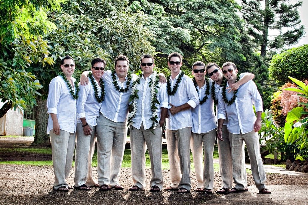Bromance. Definitely need a picture like this on your wedding day!   Photography: Dave Miayamoto.  See more http://modernweddingshawaii.com/real-wedding-nikki-anthony/