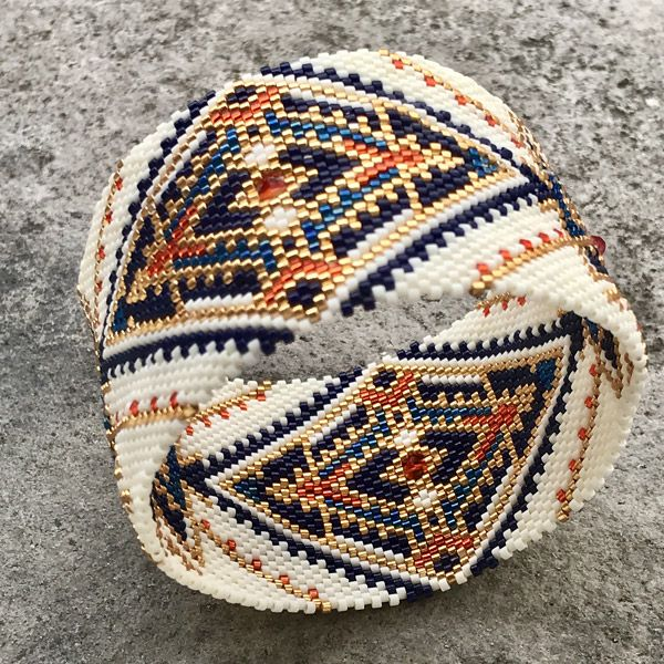 DIY bangle maxi bracelet in circular peyote weaving with Miyuki De - Perles & Co