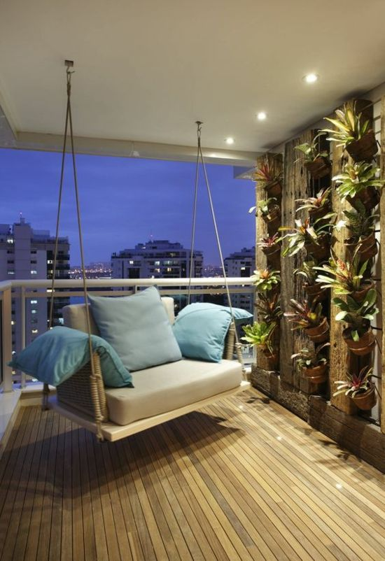 Moderne Terrassengestaltung Vertikaler Garten Schaukel Deko Kissen    Stilvoll