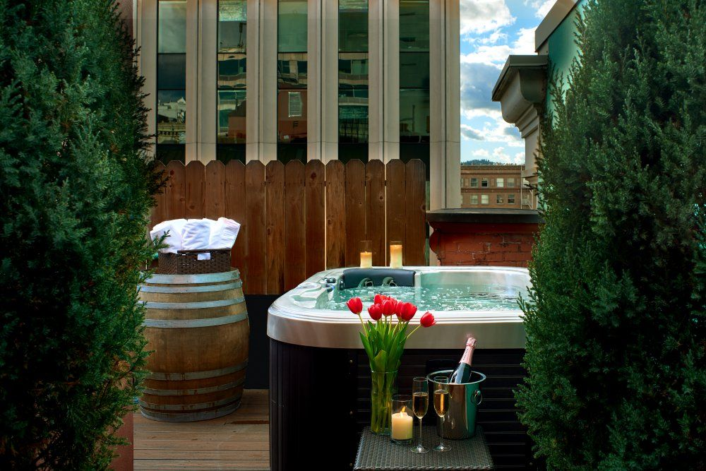 Alexis Hotel Seattle Garden Spa Suite outdoor hot tub