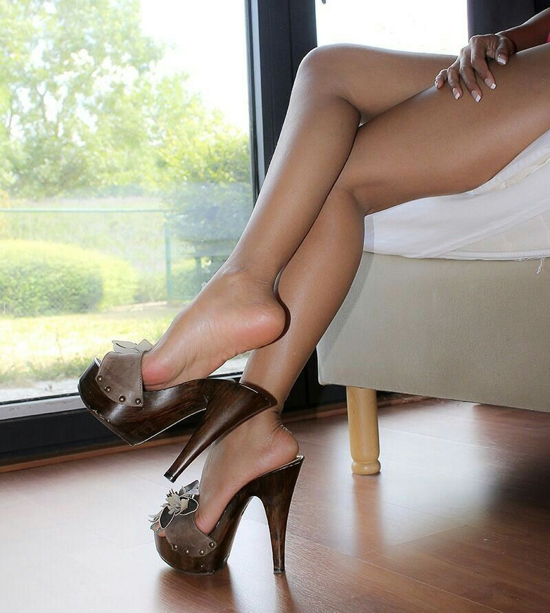 Amateur Wood High Heel Shoesjob