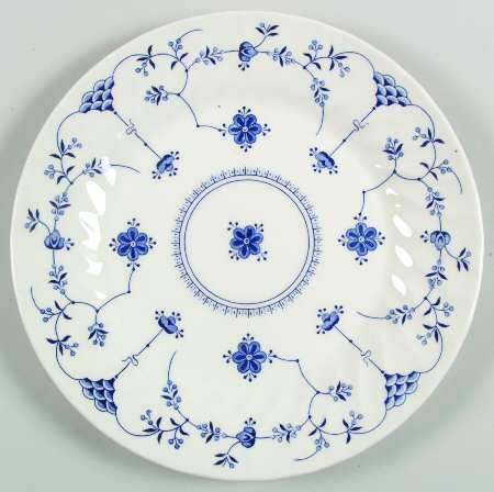 Finlandia By Churchill I Just Got 4 Of These Plates For 4 00 At Salvation Army Made In England China Patterns Decorative Dish Blue And White