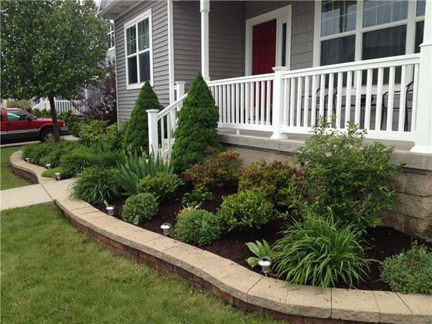 50 ideas to make evergreen landscape garden on your front for Landscaping a small area in front of house