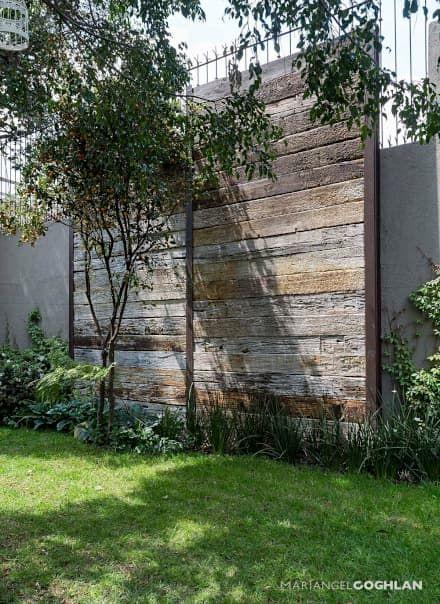 Jardín: Jardines de estilo rústico por MARIANGEL COGHLAN