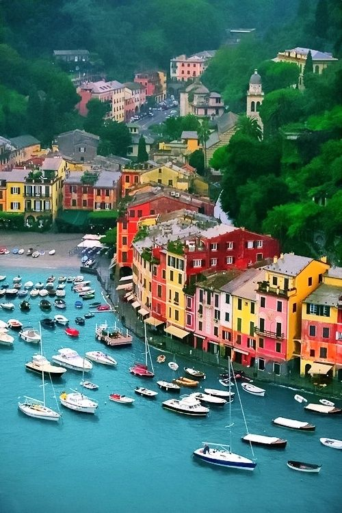 海外 カラフル 家 旅行 生命力 海 川 船 ブルー 美しい景色