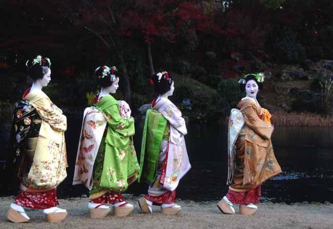 朝日新聞デジタル写真特集「「祇園の舞妓はん撮影会」写真コンテスト 2010(1)」