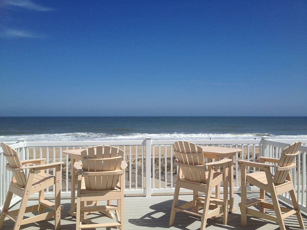 Townhome Vacation Rental In Ocean City From Vrbo Com Vacation Rental Travel Vrbo Oceanfront Vacation Rentals Ocean City Sunset Views