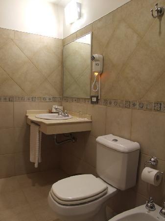 Ba os modernos buscar con google bathrooms pinterest for Medios banos pequenos modernos