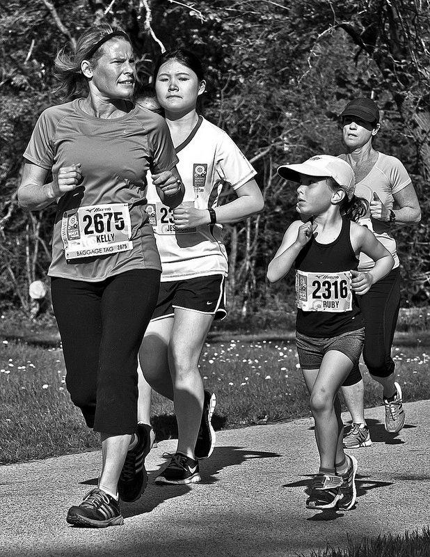 Toronto Women's Half Marathon 5K 2014  #Toronto #runTO #monochrome